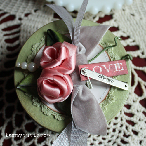Shabby Painted Tin with Handmade Roses